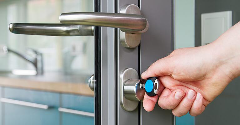Smart locks (iLOQ)